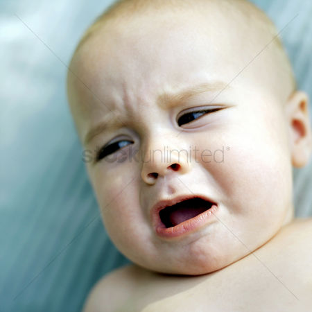 Cute : Baby crying