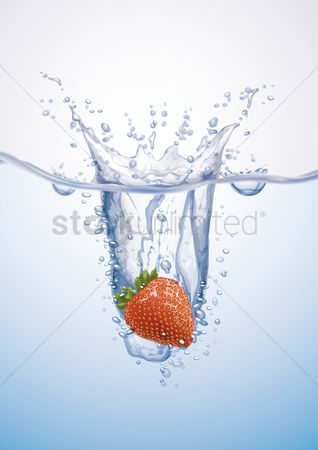 Fresh : Strawberry thrown into water