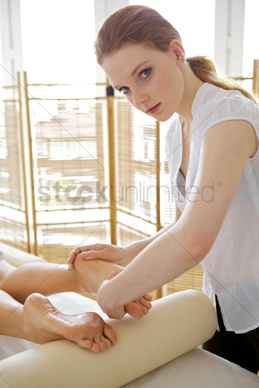 Massage girl myanmar Nightclub, Karaoke,