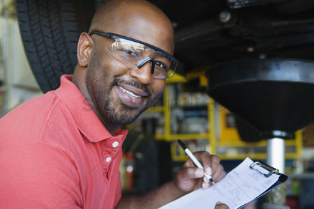 Head shot : Auto mechanic