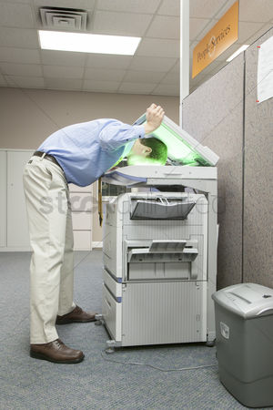 Fix : Business people with copy machine