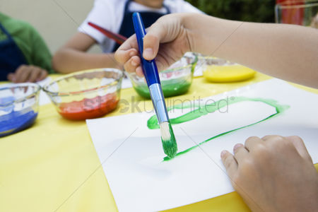 School children : Children painting