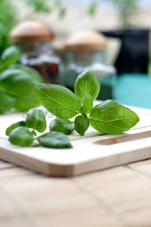 Flavour : Close up of basil on desk