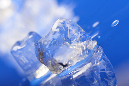 Black background : Close up of ice cubes
