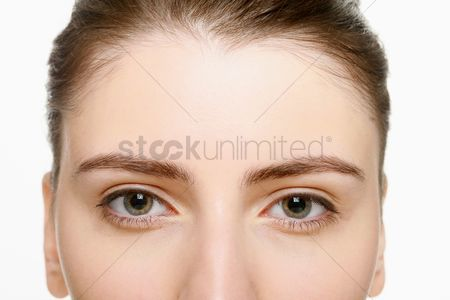 Face : Close-up of woman s eye
