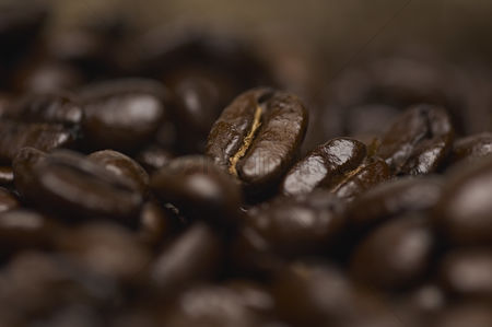 Studio shot : Coffee beans close-up