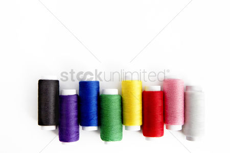 Selection : Colourful sewing threads design