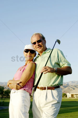 Girlfriend : Couple posing in the golf course