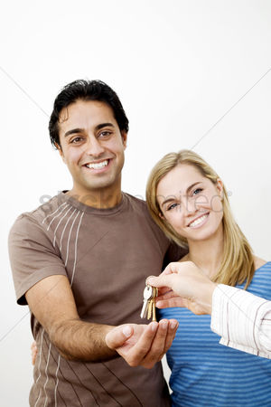 Lover : Couple receiving key to their new house