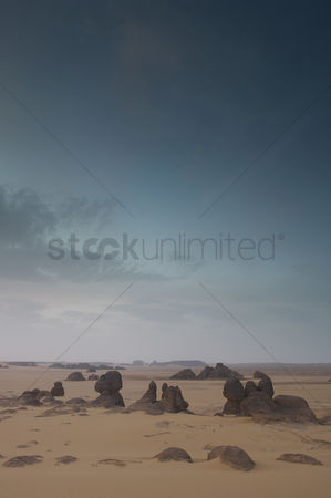 Moody : Desert landscape with boulders