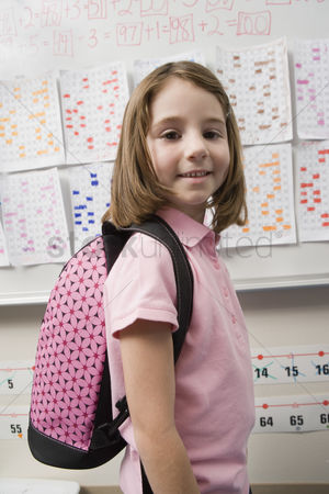 Schoolkids : Elementary student wearing backpack