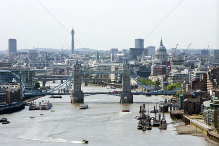 Attraction : Elevated view of tower bridge and st pauls london