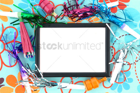 Decor : Frame with party poppers