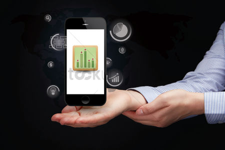Client : Hand presenting business ranking on smartphone concept