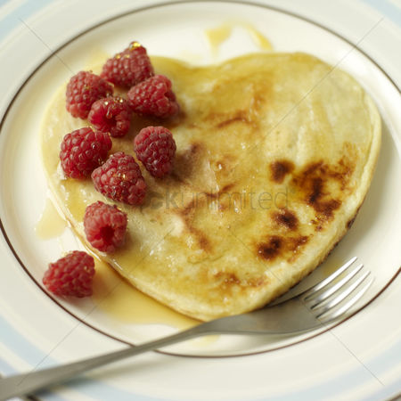 Ready to eat : Heart pancake
