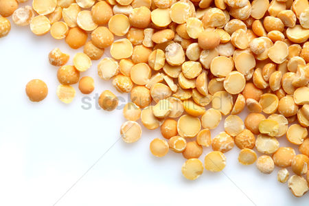 Pile : Lentil on white background  - close-up