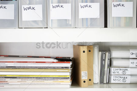 Tidy : Magazines and folders in organized shelves