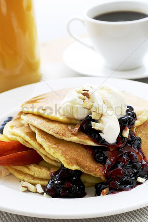 Ready to eat : Raspberry pancake