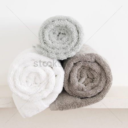 Tidy : Rolled-up towels