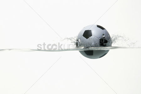Hexagon : Soccer ball splashing into water