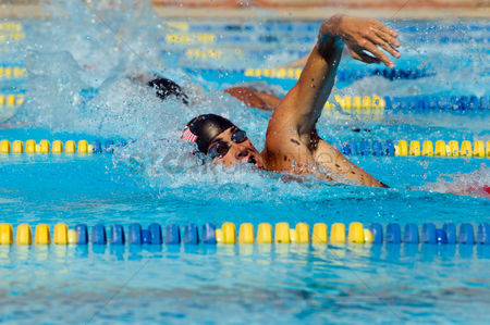 Swimmer : Swimmers racing