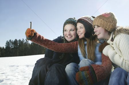 Group portrait : Three girls take self portrait with camera phone