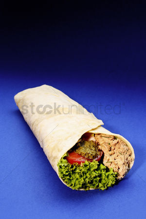 Ready to eat : Tortilla tuna salad wrap