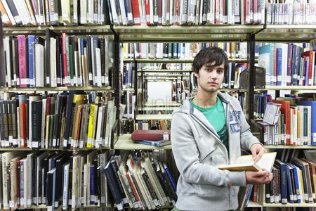 College : University student studying in library