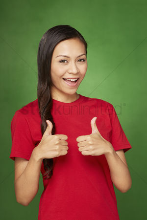 Malay : Woman giving two thumbs up