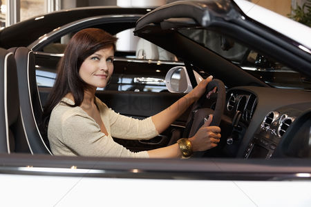 Show : Woman having a test drive