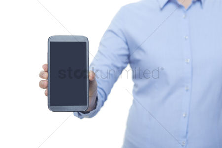 Hand : Woman showing smartphone screen
