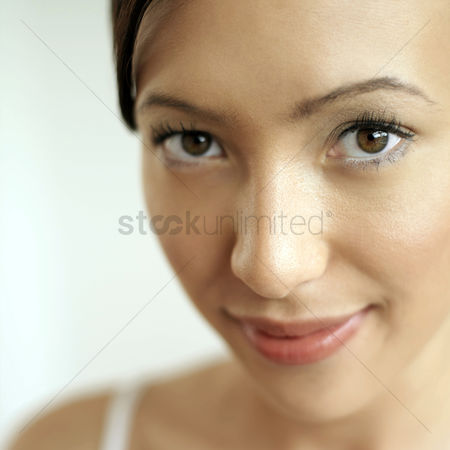 Beautiful people : Woman smiling at the camera