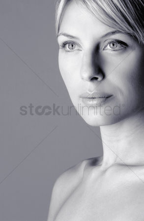 Attraction : Woman staring blankly at a space