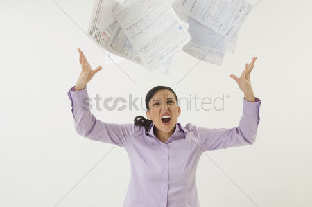 Body : Woman tossing forms in the air